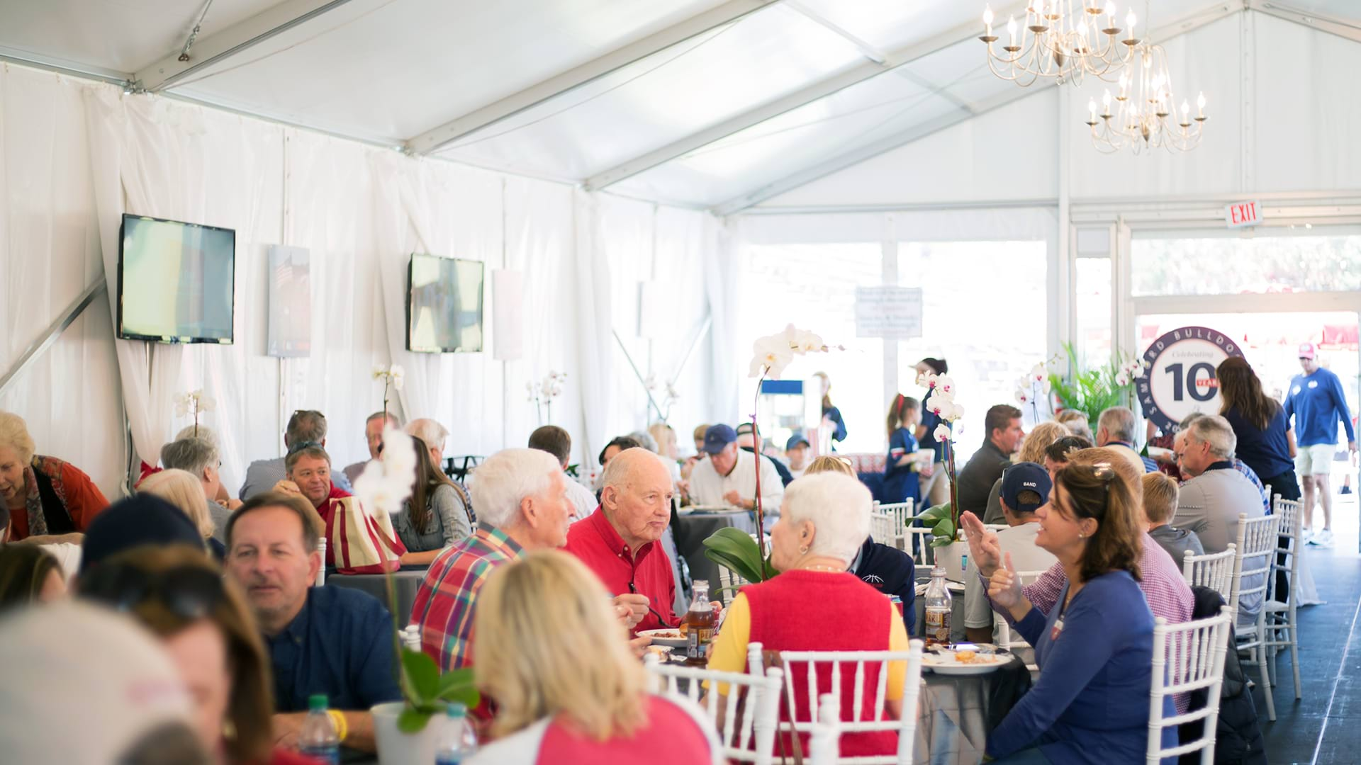https://www.samford.edu/departments/images/Event-Planning/Bulldog-Club-Hospitality-Tent.jpg